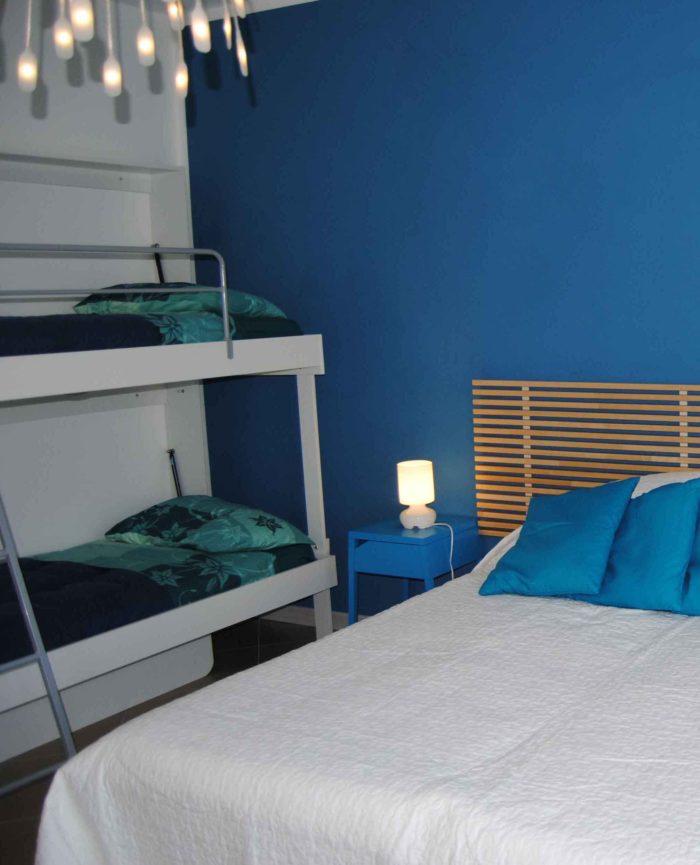 Viale-blu-700x865